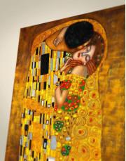 The Kiss by Gustav Klimt Canvas Wall Art - Image 1